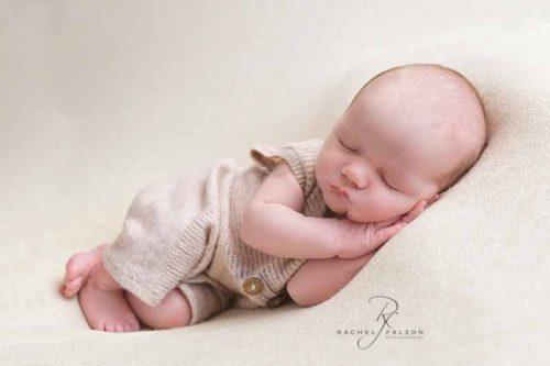 baby-in-sleeping-pose
