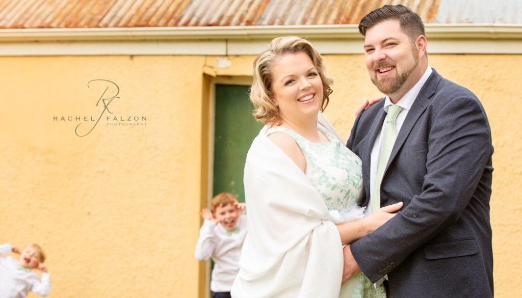 Photobombed wedding